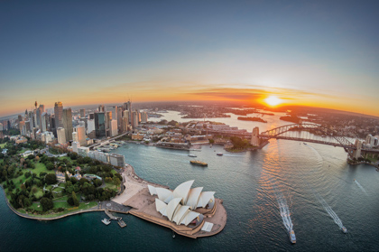 Sydney Harbour at sunset © Destination NSW